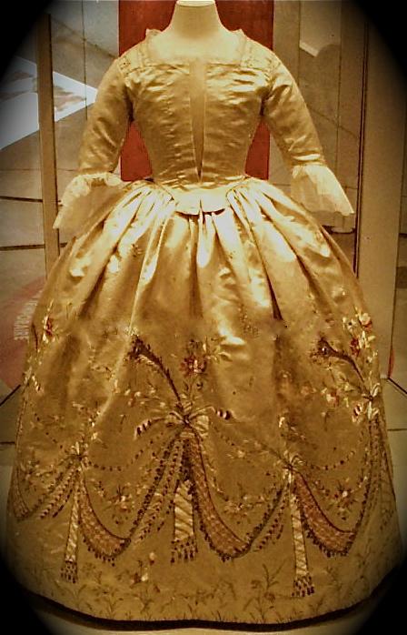 Marie Antoinette\'s Dress at the Royal Ontario Museum | Jonathan ...