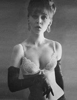 Wonderbra, 1963