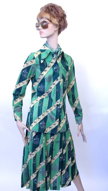 Green print cotton blend jersey two-piece dress by Pat McDonagh, c. 1975