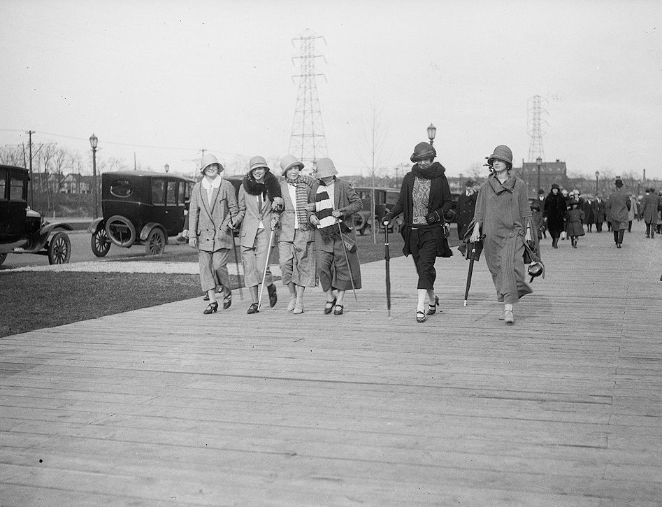 Sunnyside Boardwalk, Toronto, April 20, 1924