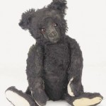 Mourning Teddy sold by Steiff after the sinking of the Titanic, 1912