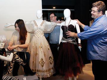 Fashion_Museum___Content