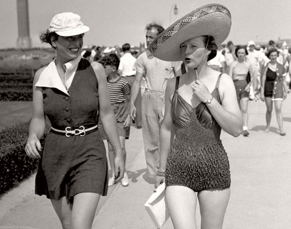 vintage-girls-in-swimsuits-new-york-city-1930s-1940s-04
